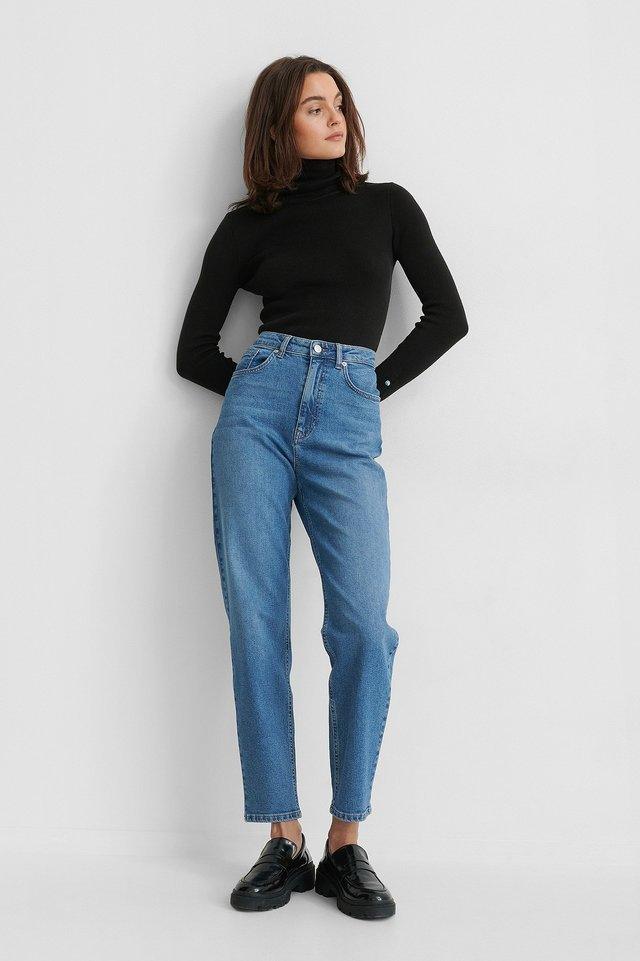 Mid Blue Mom Jeans Blue.