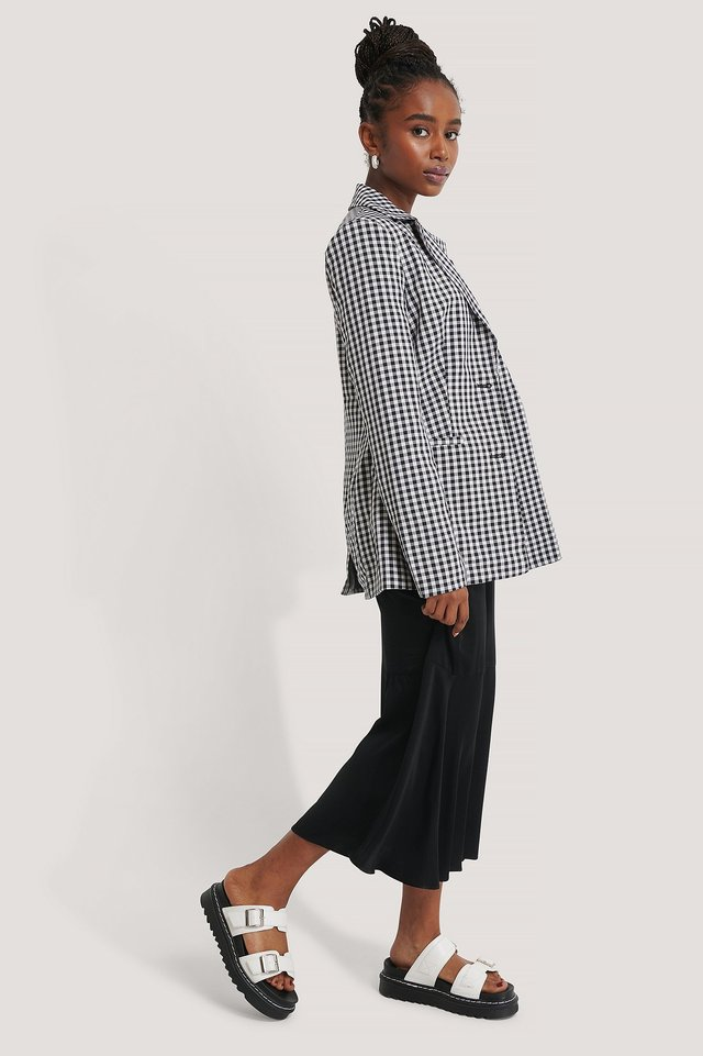Fitted Checkered Blazer Outfit.