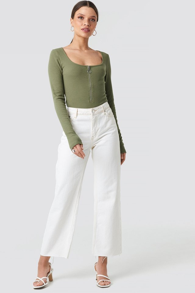 Long Sleeve Zipped Top Outfit.