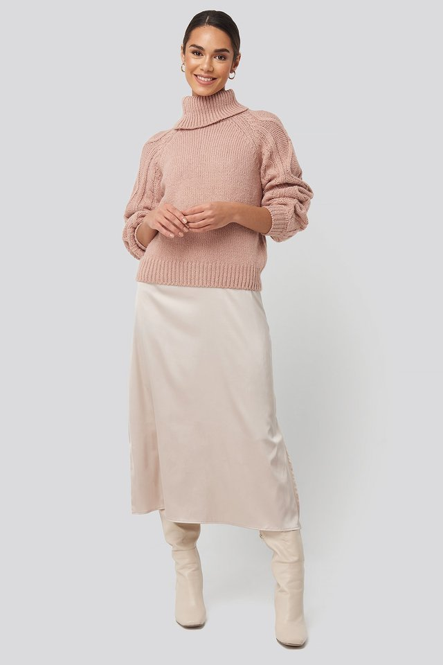 Cable Sleeve Knitted Sweater Outfit.