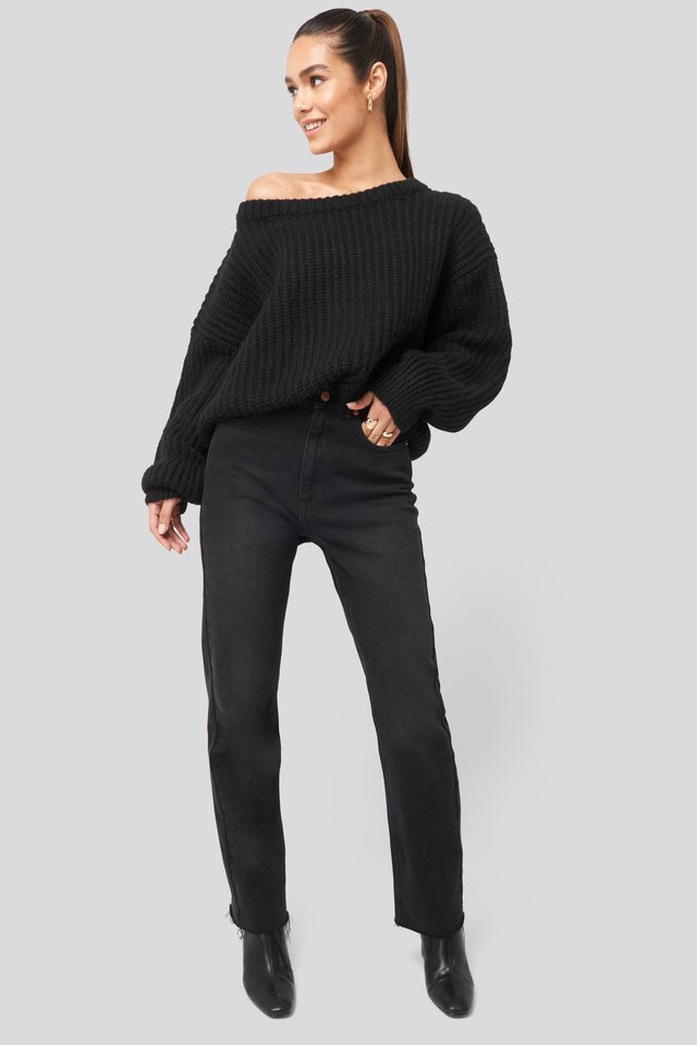 Chunky Knitted Off Shoulder Sweater Outfit.
