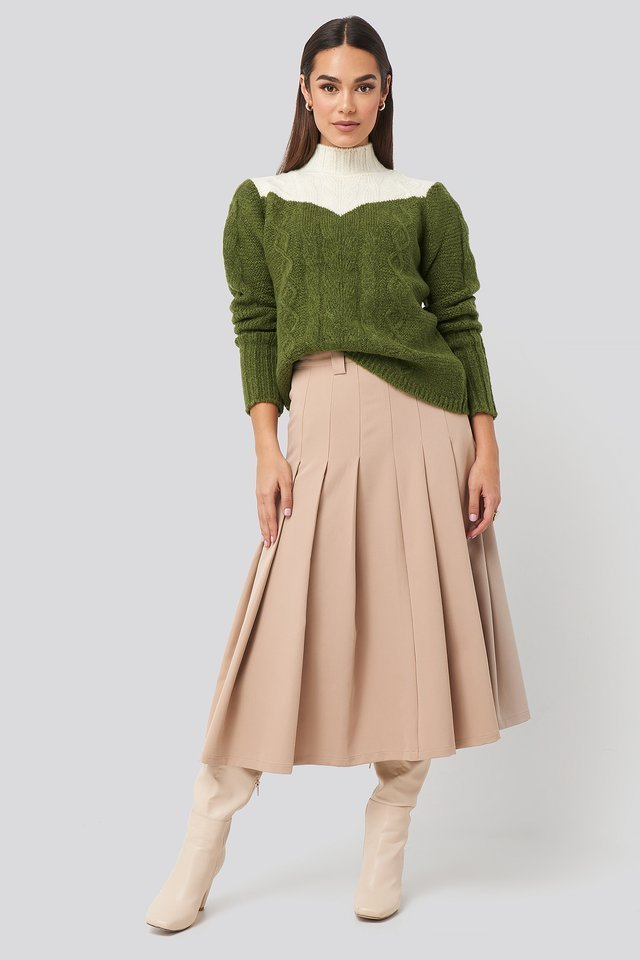 Colorblock Knitted Sweater Outfit.