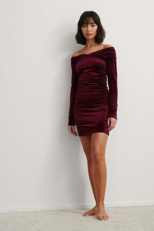 Bare Shoulder Velvet Dress Outfit.