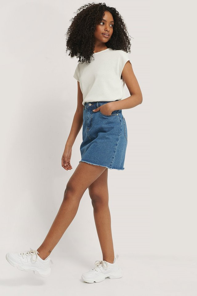 Mini Denim Skirt Outfit.
