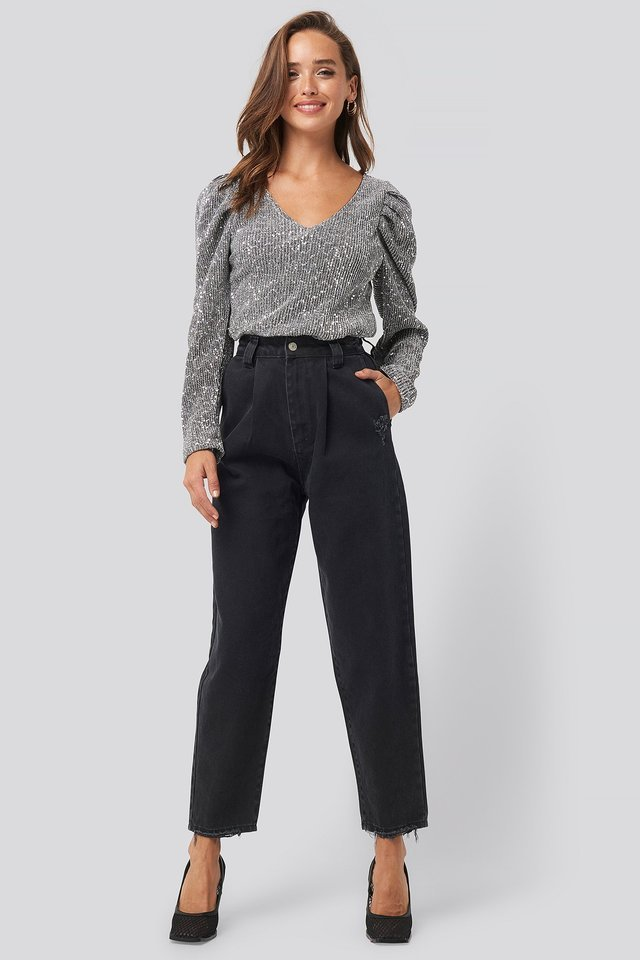 Ripped Detail High Waist Mom Jeans Black.