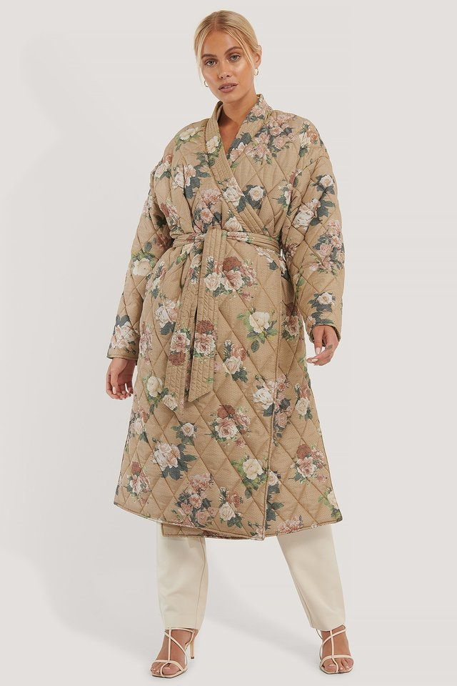 Quilted Kimono Coat Beige Outfit.