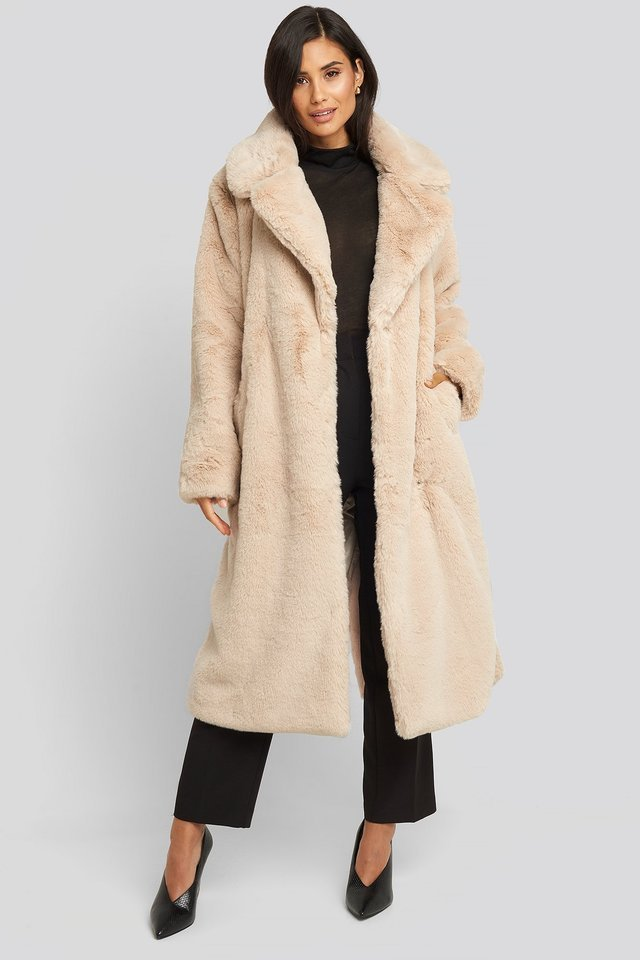 Soft Faux Fur Long Coat Beige Outfit.