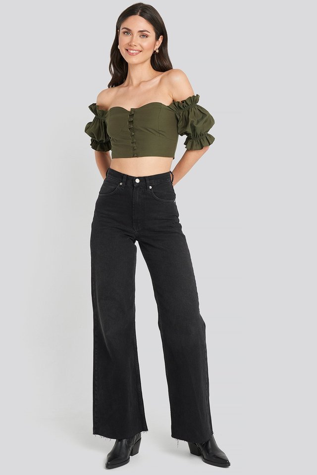 Off Shoulder Button Detailed Cropped Top Outfit.