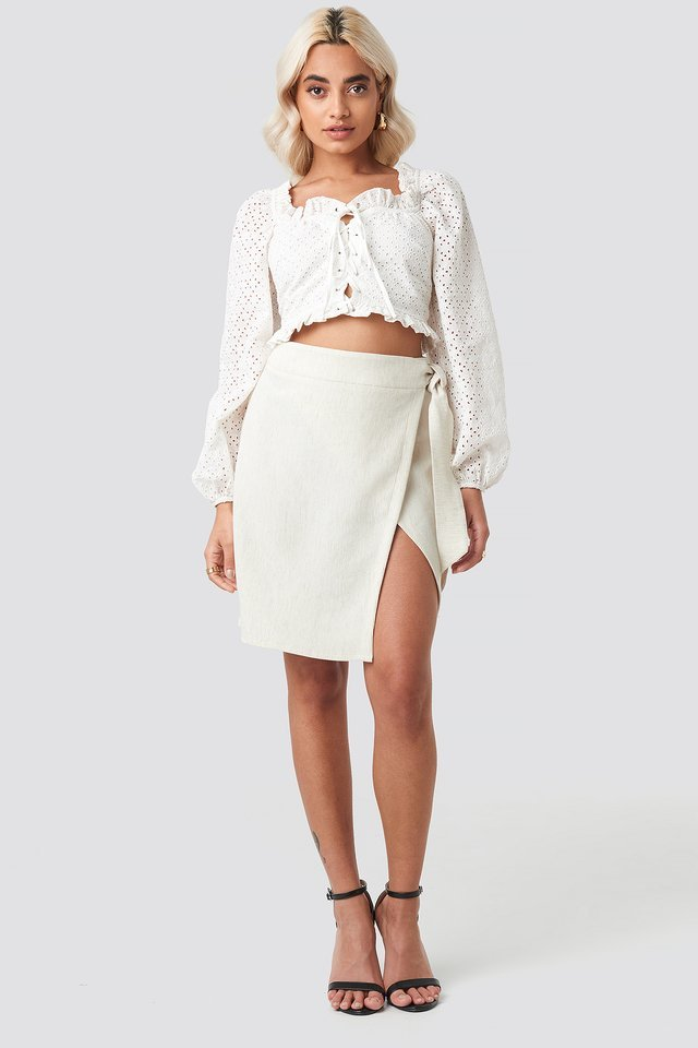Broderie Anglais Crop Top Outfit.