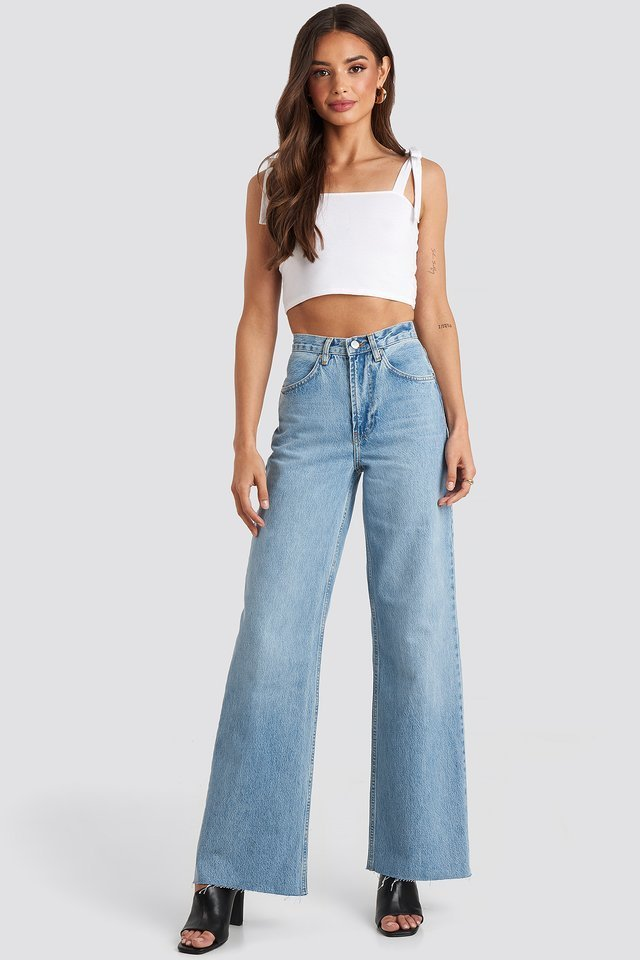 Long Bow Tie Crop Top Outfit.