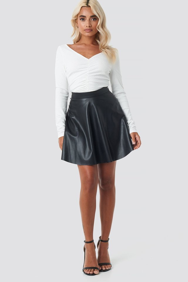Front Ruched Cropped Top Outfit.