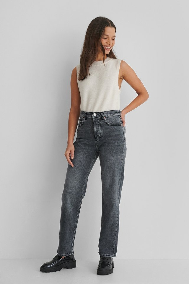 Premium Cropped Jeans Grey Outfit.