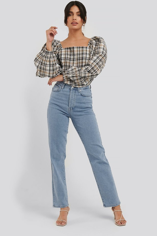 Straight High Waist Jeans Blue Outfit.