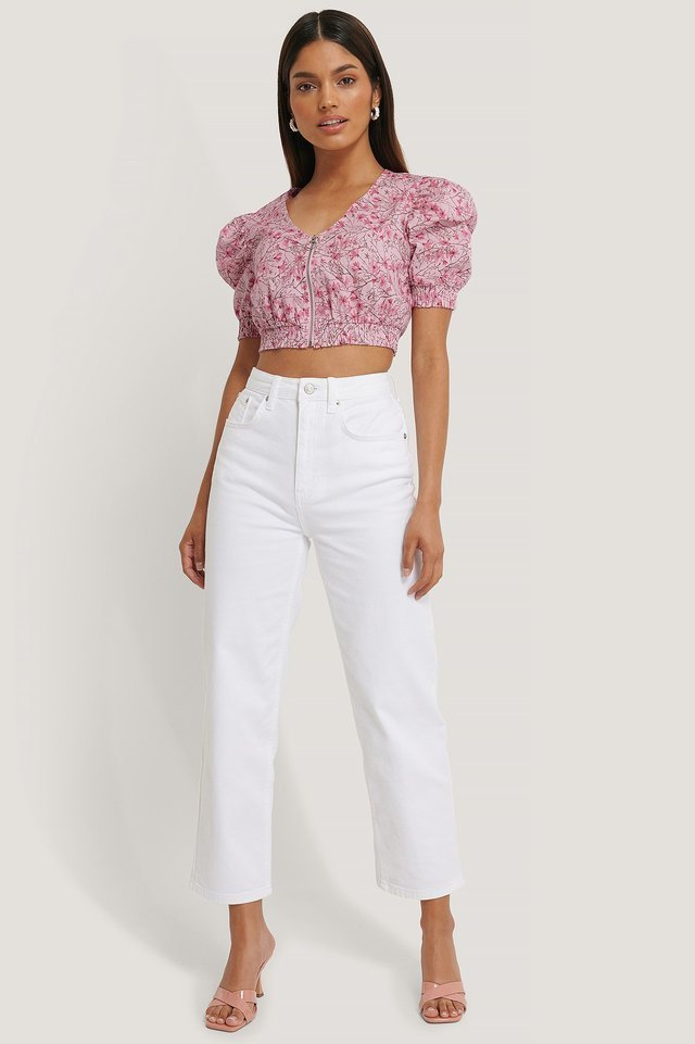 Straight Cropped Jeans White Outfit.