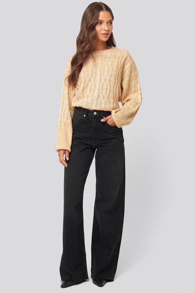 Cropped Cable Knitted Sweater Outfit.