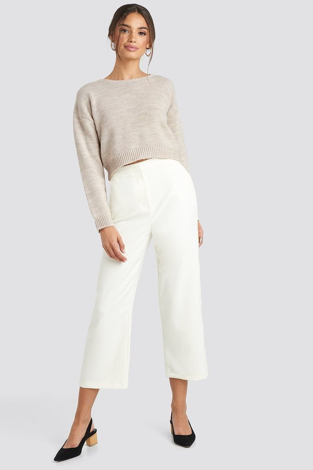 Cropped Round Neck Knitted Sweater Outfit.