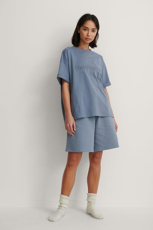 Dusty Blue Orgánica Camiseta Boxy Con Detalle De Bordado