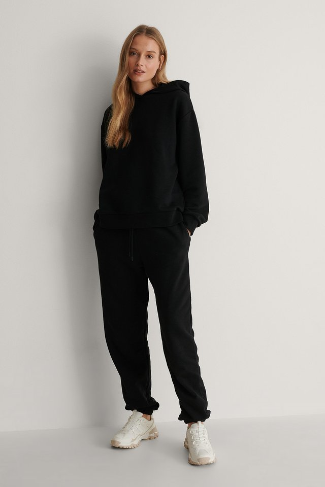 Oversized Relaxed Hoodie Outfit.