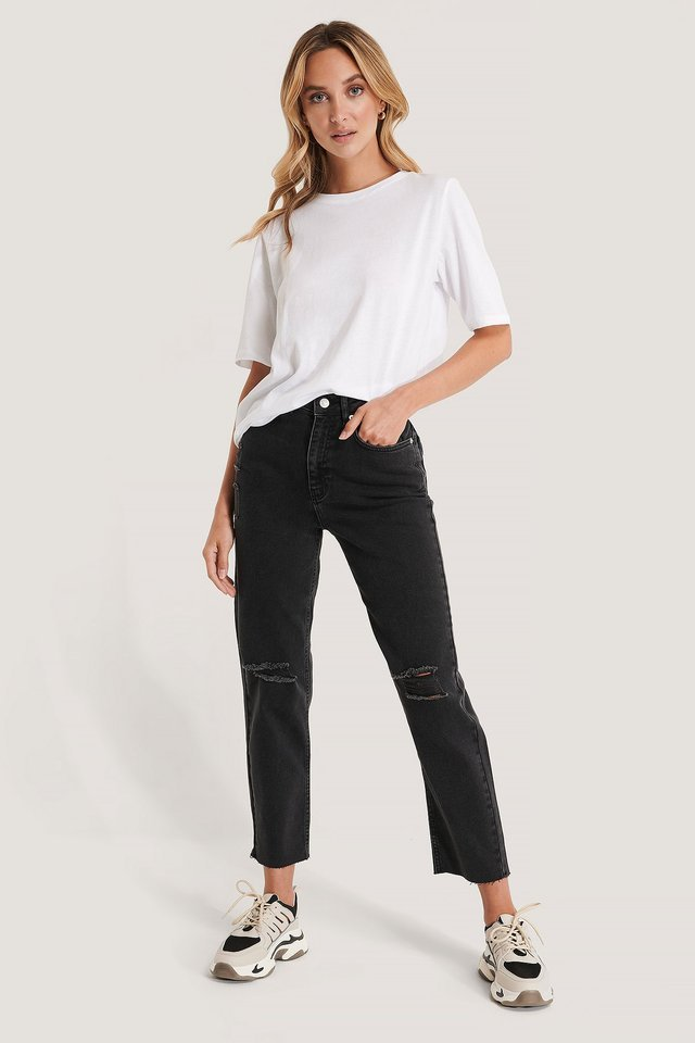 High Waist Straight Destroyed Jeans Black Outfit.