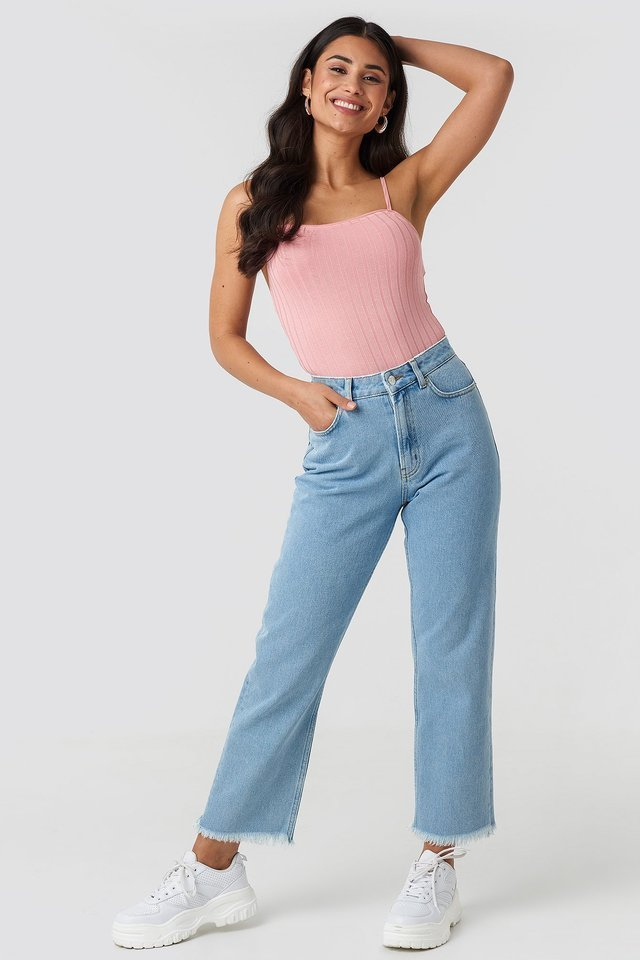 Mid Rise Straight Jeans Blue Outfit.