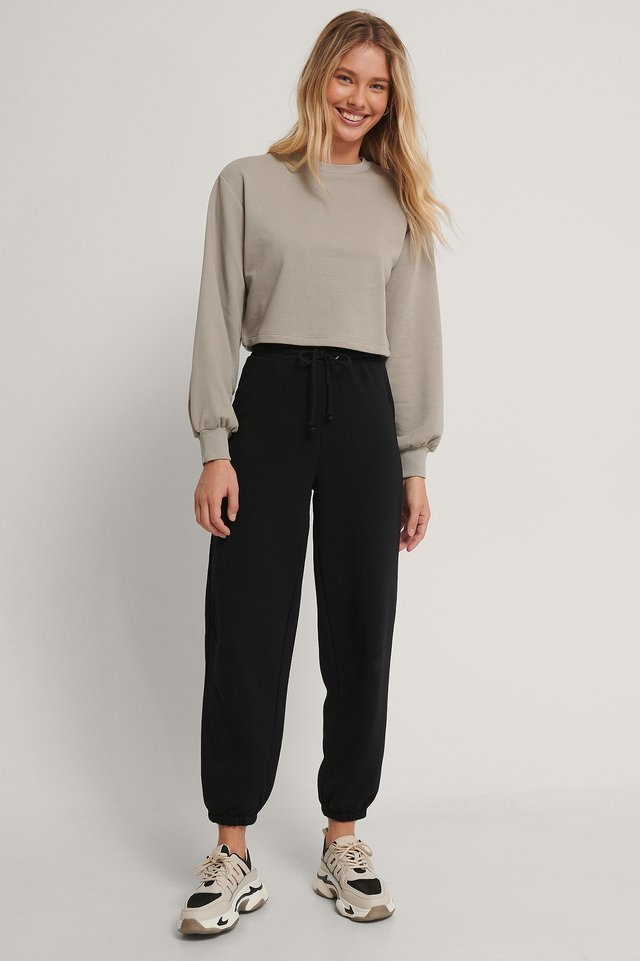 Organic Volume Sleeve Cropped Sweatshirt Outfit.