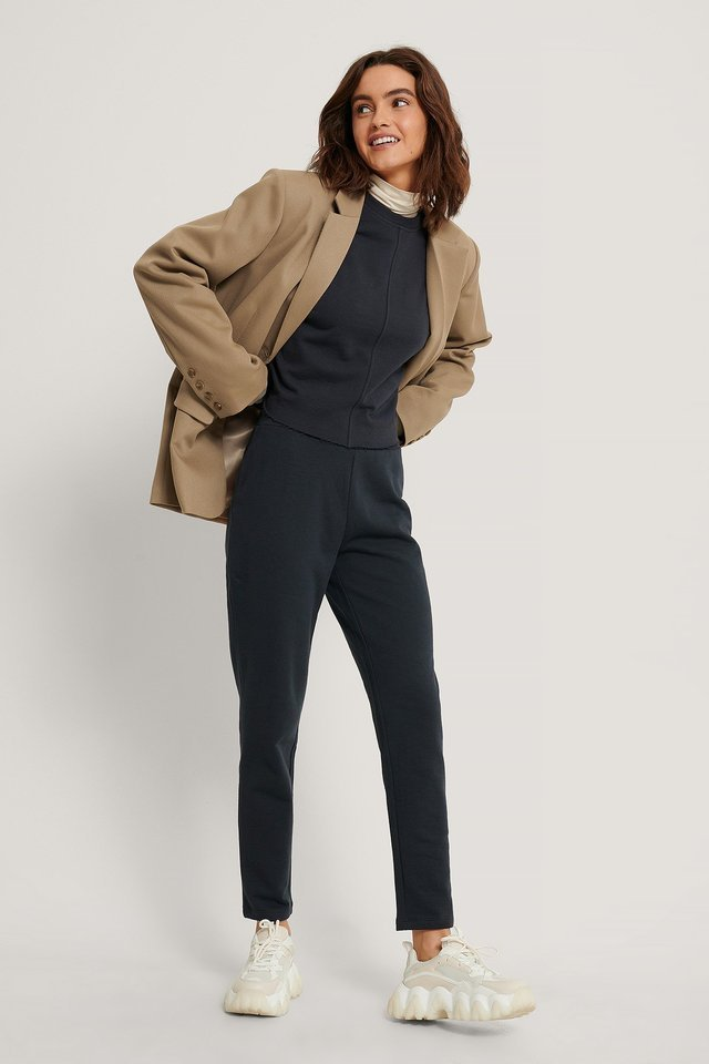 Raw Edge Cropped Sweater Outfit.