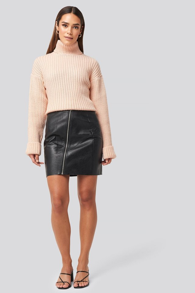 Nellie PU Skirt Outfit.