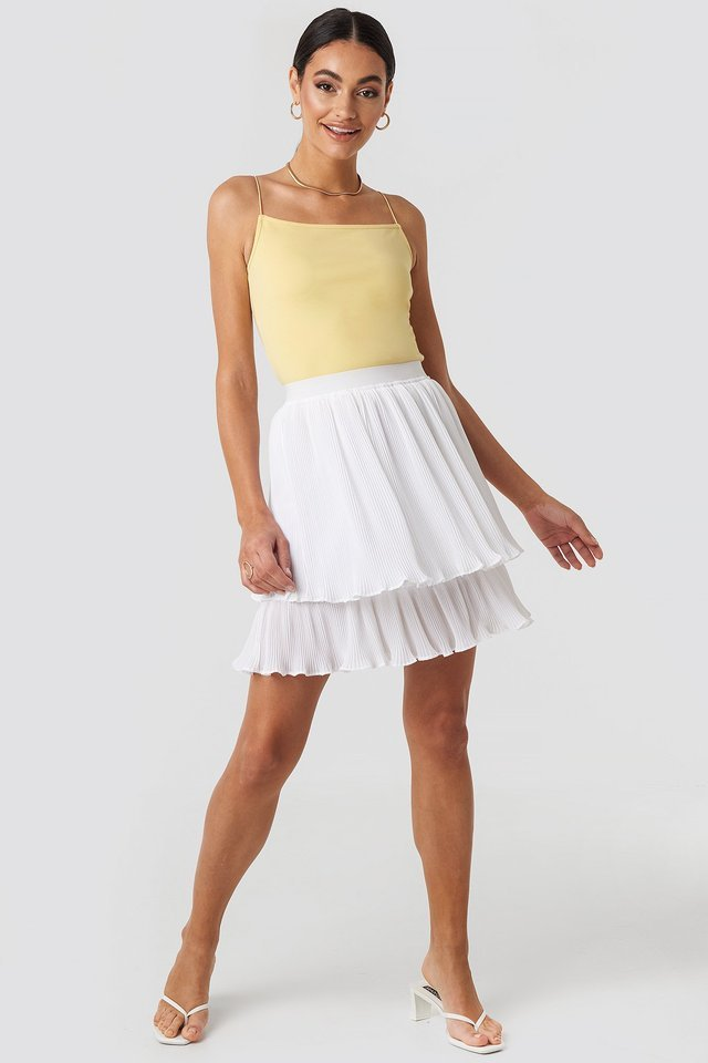 Flounce Mini Pleated Skirt Outfit.