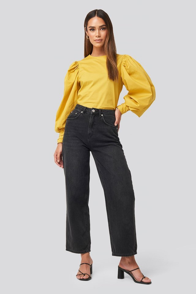Puff Sleeve Fitted Top Outfit.
