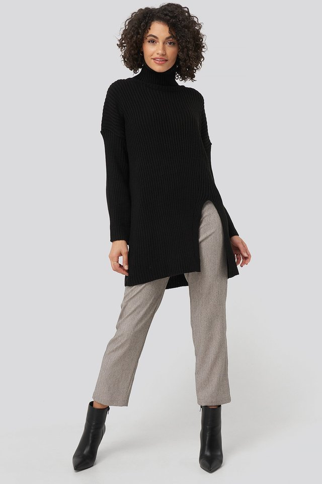 Front Slit Turtleneck Knitted Tunic Outfit.