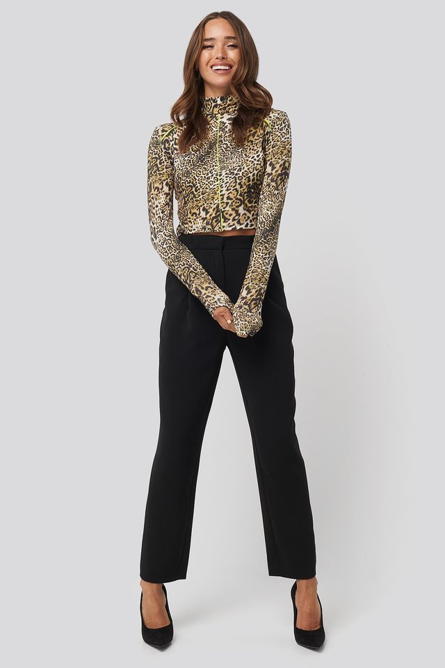 Leopard Pattern Knitted Blouse Outfit.