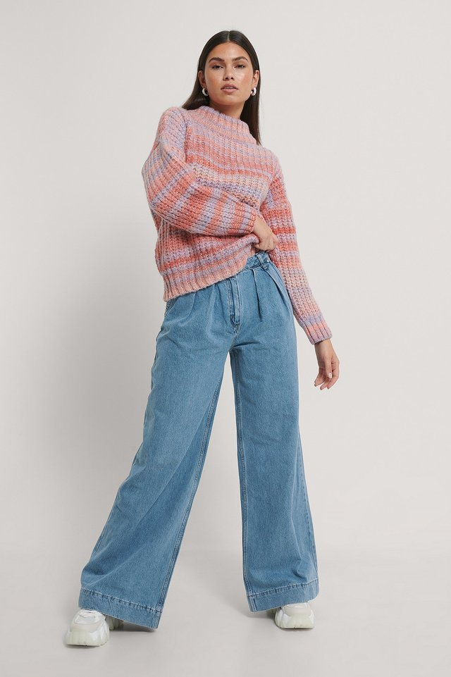 Pleated Wide Jeans Blue Outfit.