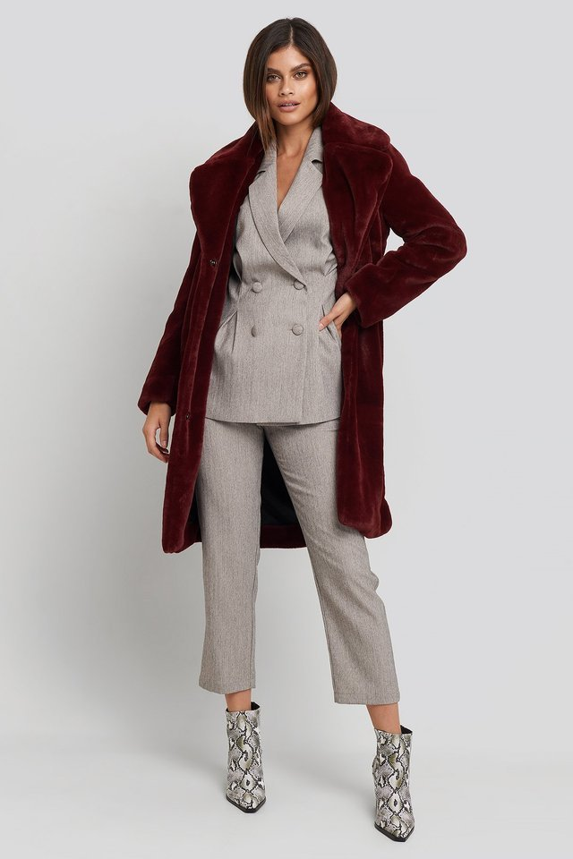 Big Collar Faux Fur Jacket Red Outfit.