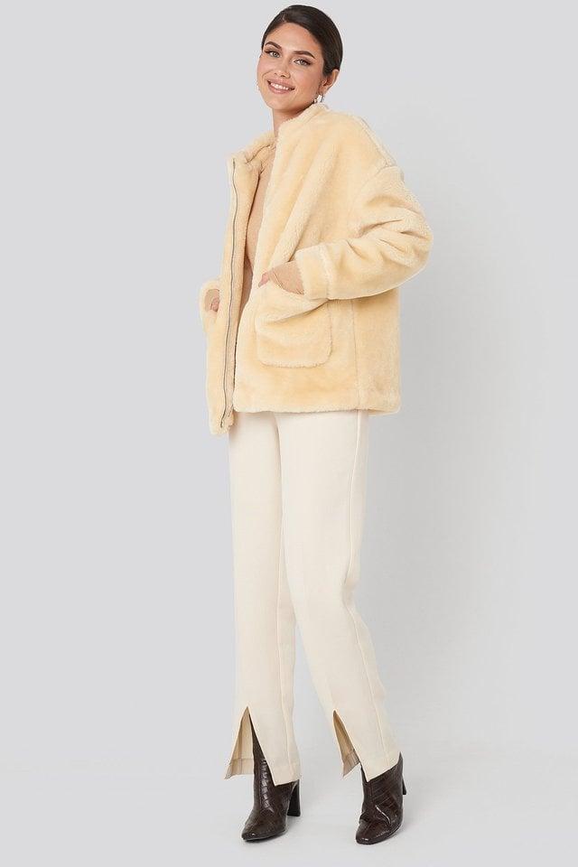 Short Front Pocket Faux Fur Jacket White Outfit.