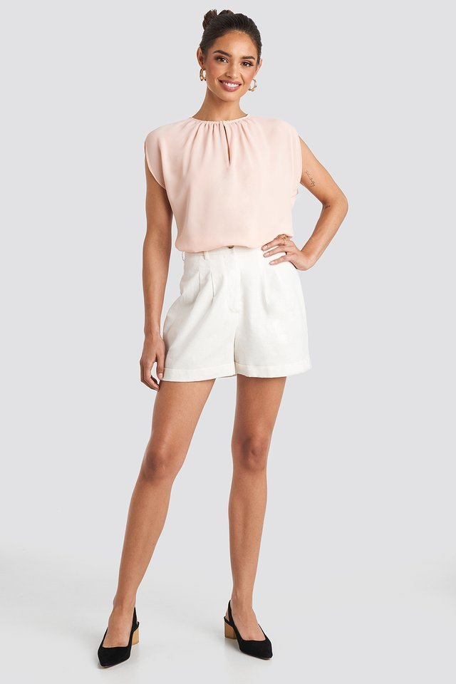 Ferrara Blouse Outfit.