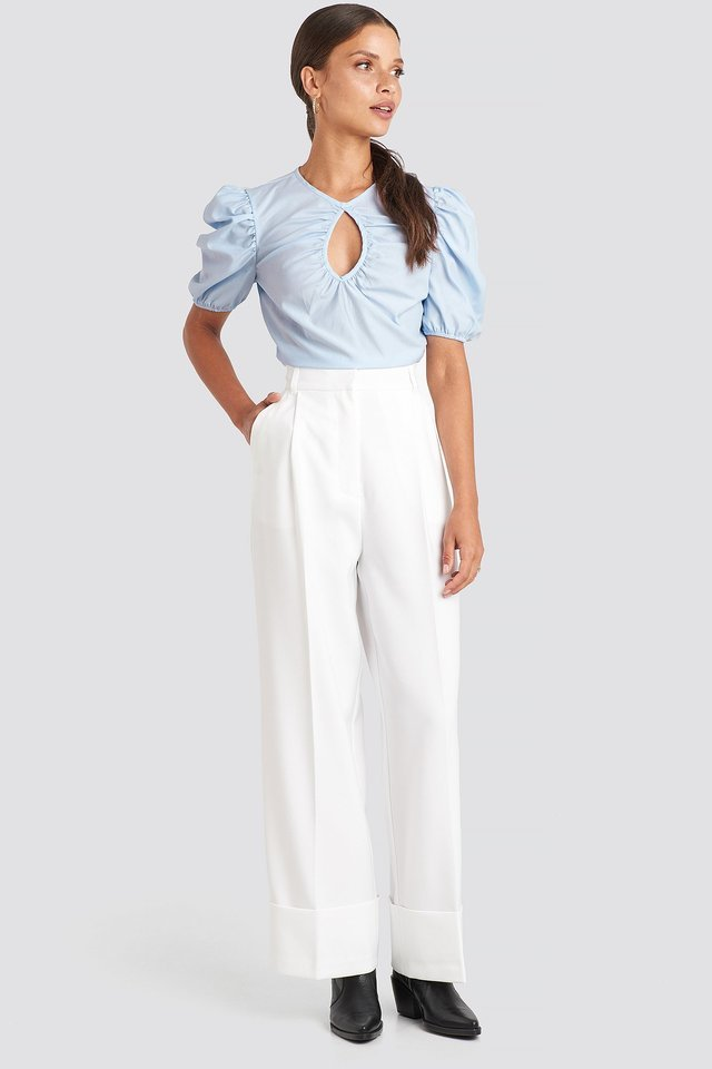 Short Puff Sleeve Keyhole Front Blouse Outfit.
