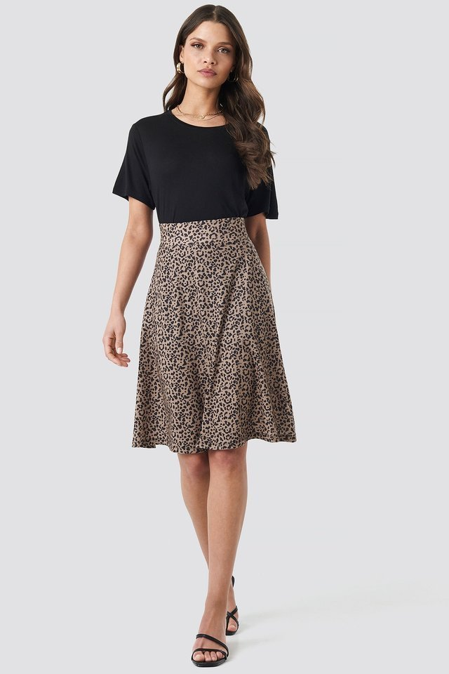 Printed Jersey Skirt Outfit.