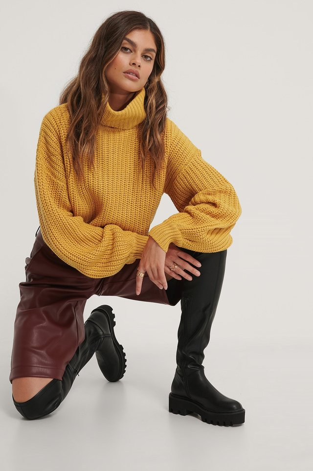 High Neck Short Knitted Sweater Outfit.