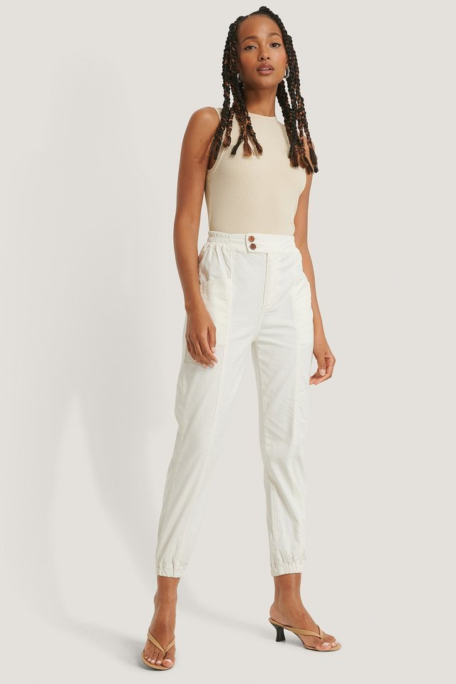 Elastic Waist Jogger Jeans White Outfit.
