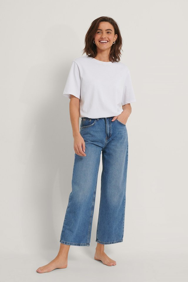 Loose Leg Jeans Blue Outfit.