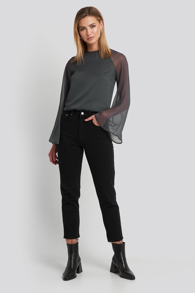 Trumphet Sleeve Flowy Blouse Outfit.