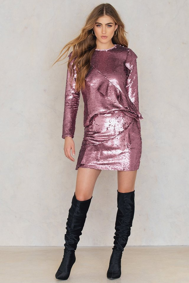 Frill Sequin Skirt Outfit.