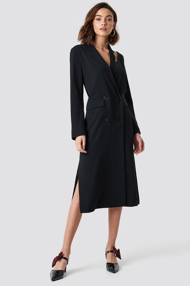 Cold Shoulder Trench Coat Black Outfit.