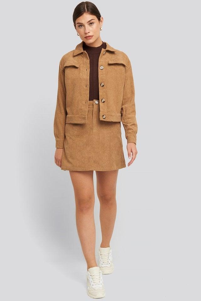 Elma Jacket Beige Outfit.
