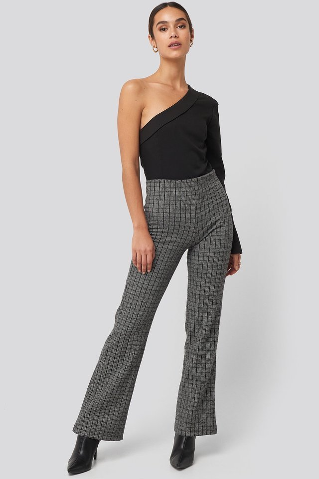Black Plaid Knitted Trousers Outfit.