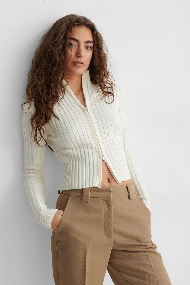 Ribbed High Neck Zipped Knitted Sweater Outfit.