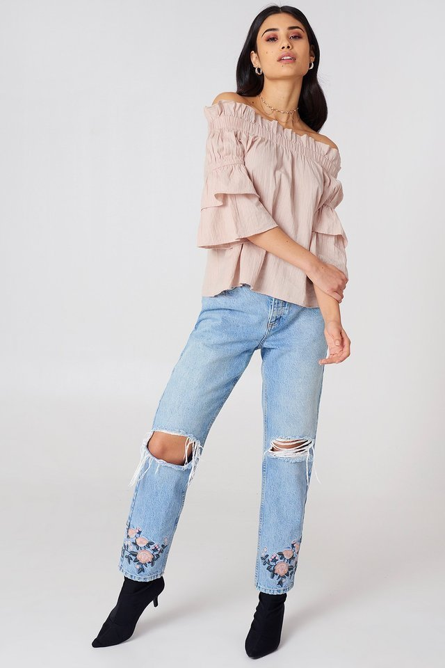 Off Shoulder Frill Top Outfit.