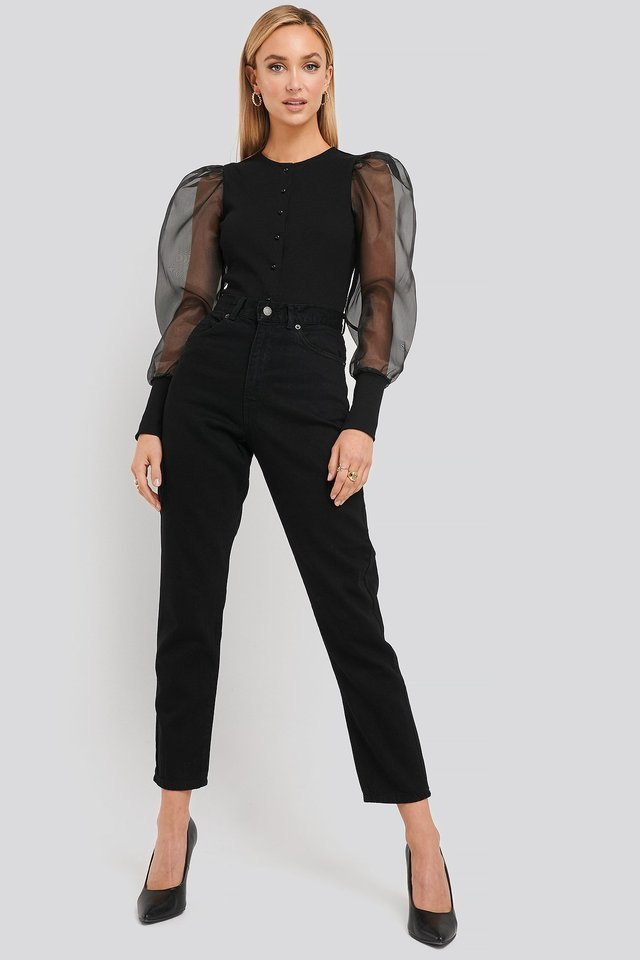 Nora Jeans Black Outfit.