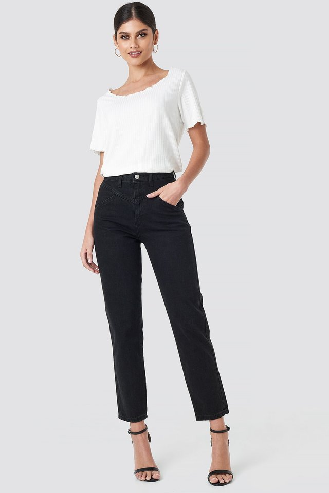 Front Yoke Jeans Black Outfit.