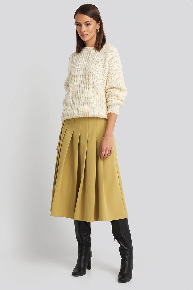Tailored Pleated Midi Skirt Outfit.